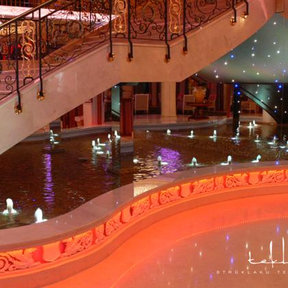 Iekštelpu strūklaka izklaides centrā «Royal Casino SPA & Hotel Resort» / 2006. gads