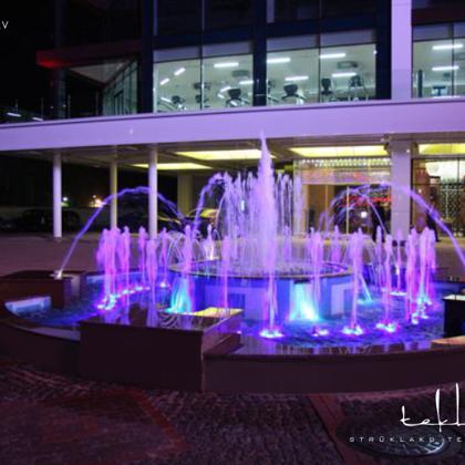 Gaismas dinamiska strūklaka izklaides centrā «Royal Casino SPA Hotel Resort» / 2006. gads